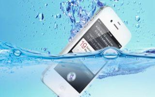 Как починить упавший в воду смартфон