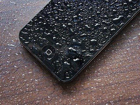 айфон в воде