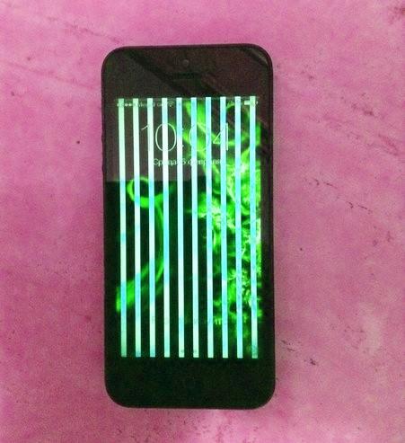 редкие вертикальные полосы на экране iPhone
