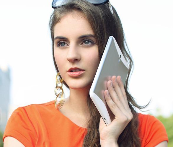 говорить по планшету как по телефону